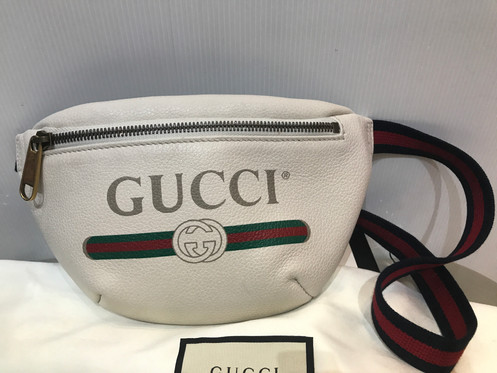 a74353f480fd9a GUCCI PRINT SMALL BELT BAG WHITE LERTHER 527792 FULL SET. ฿ 19,900.00