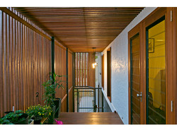 Timber entryway to extension