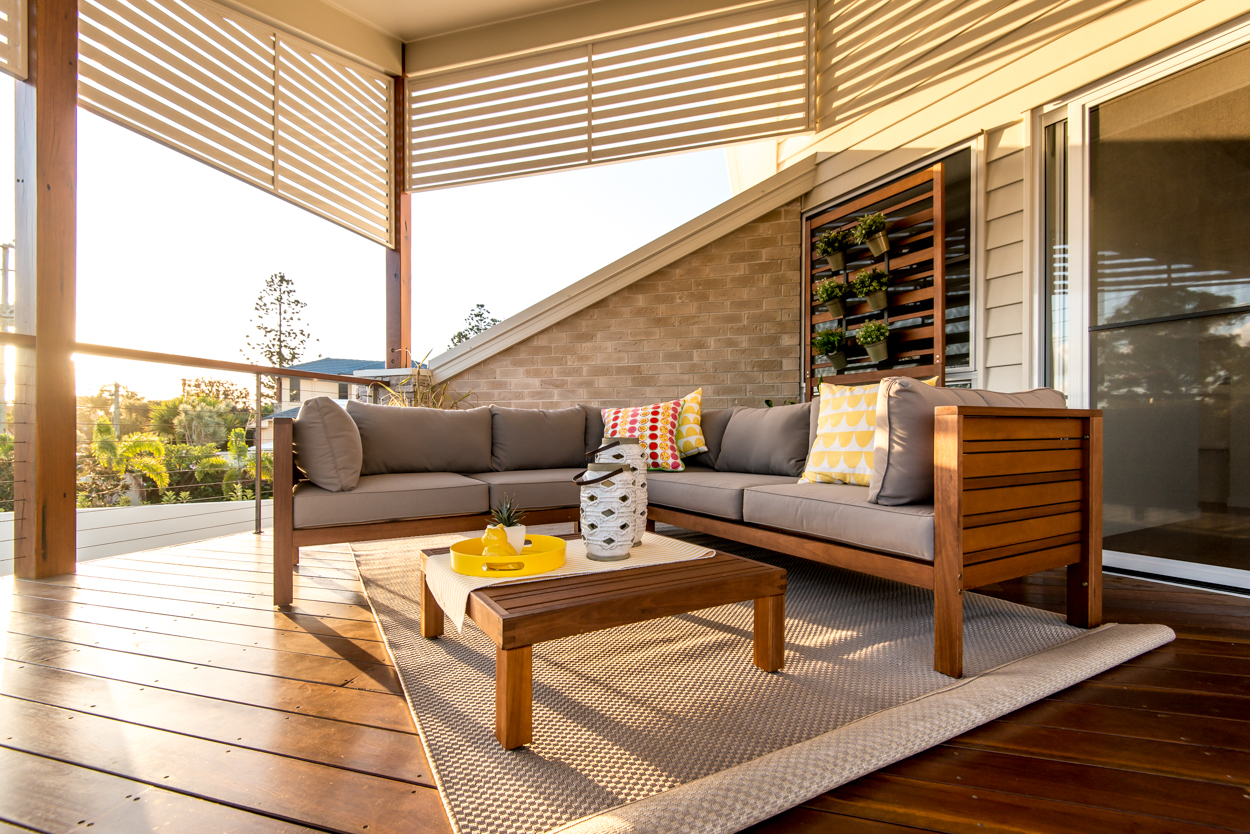 Sunset deck lounge