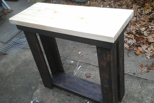 ENTRY / ACCENT TABLE
