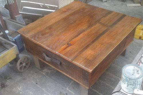 Coffee table / chest