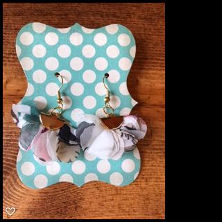 White Flower Fan Tassel Earrings