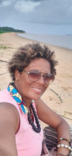 photo LISE sur sa plage.jpeg