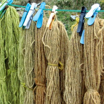 Drying wool hanks