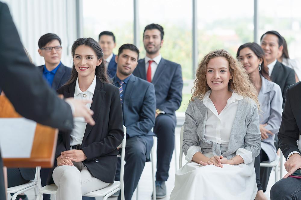 asistir a eventos durante la jornada laboral
