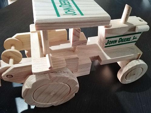 Tractor de madera para pintar