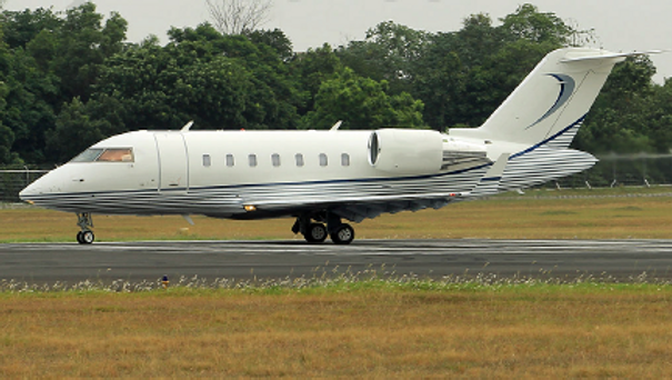 2010 Challenger 605 Ext.png