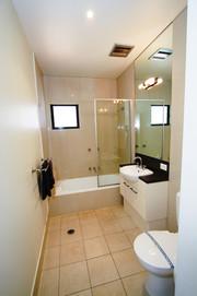 Townhouse 1 Queen Bathroom