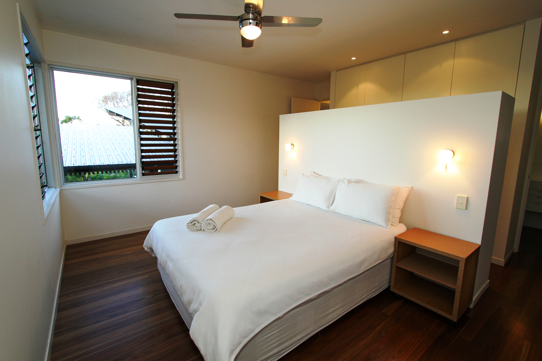 Kira Master Bed