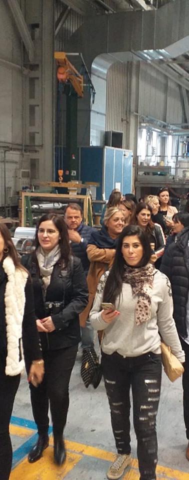 Visitantes na fábrica Jannelli e Volpi