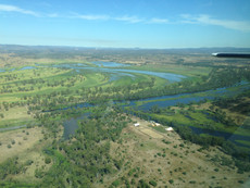 Fitzroy River weir set to bring extra water for agriculture and industry as $352m funding is announc