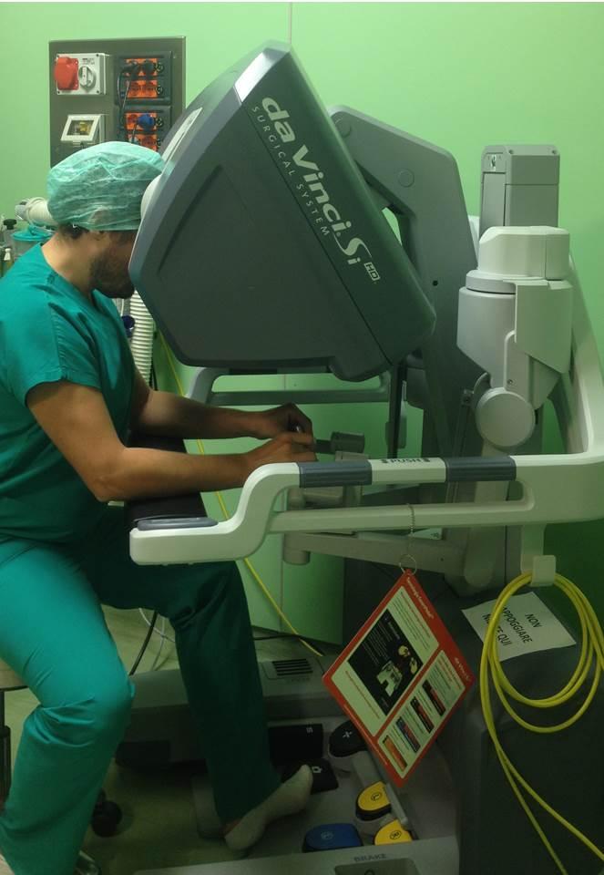Postazione chirurgica (console)