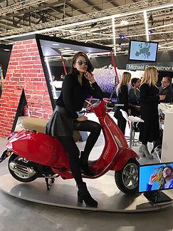 Italian model in sunglasses Della Optique