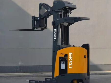 EKKO's Stand-up NA Reach Truck