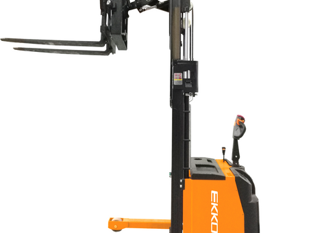 ER15 Reach truck with sideshift