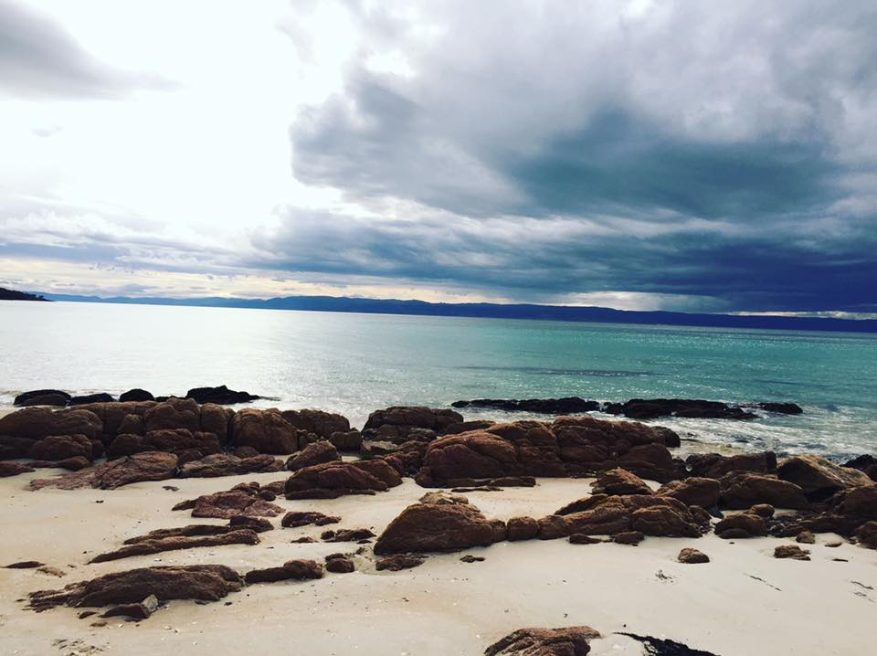 50 Shades of Blue, Cooks Beach - Freycinet Circuit