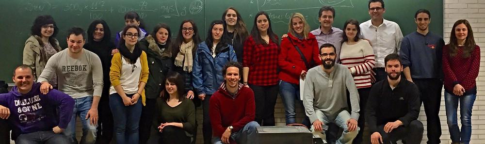 Los asistentes con la profesora Ana Aller