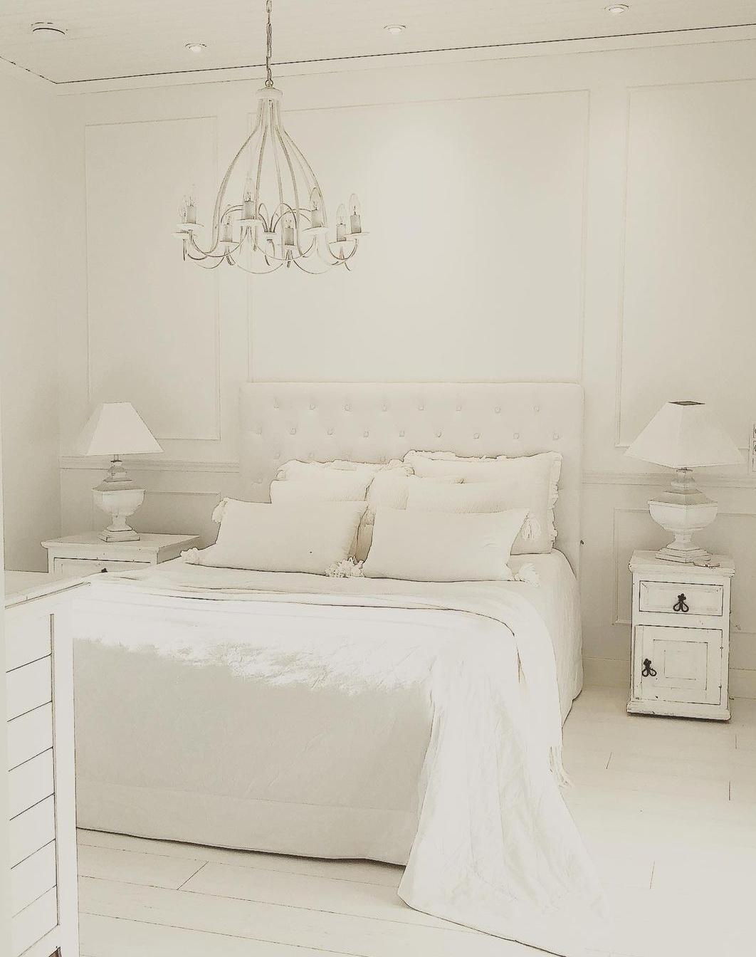 Ad-bA: chambre scandinave ambiance blanche