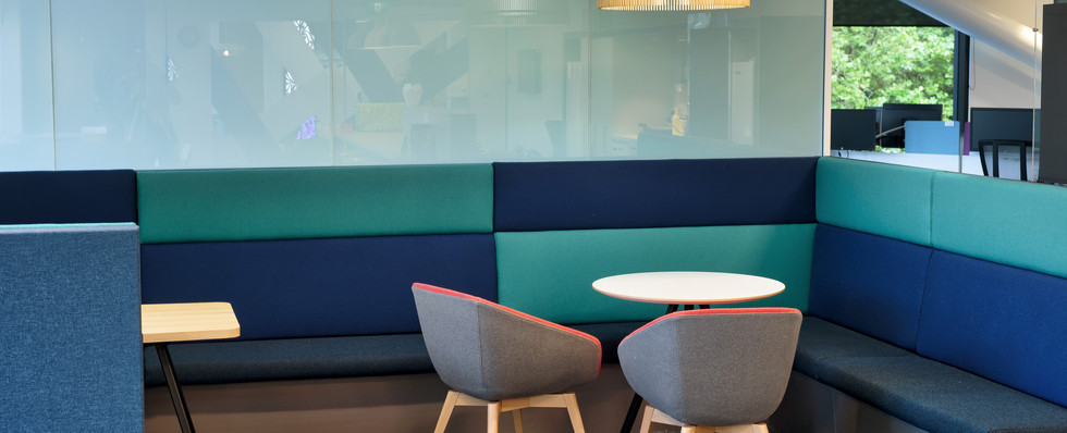 Cafe & Booth/Collaborative Space