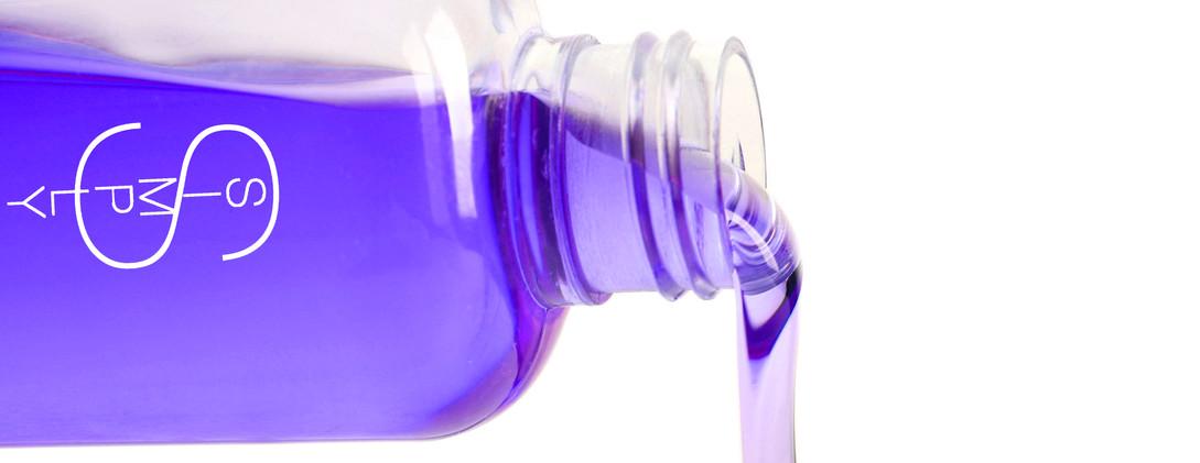 color lock shamp pour again.jpg