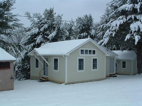 Cabin snow.jpg