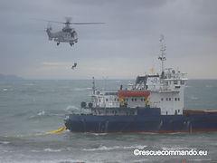 Συμμετοχή σε παροχή βοήθειας σε ρωσικό φορτηγό πλοίο