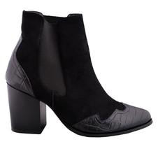 bota negra 3.jpg