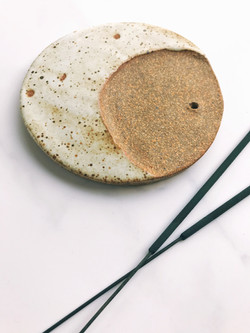 Full moon ceramic incense holder