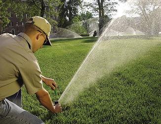 irrigationheadserviceman-900-691.jpg
