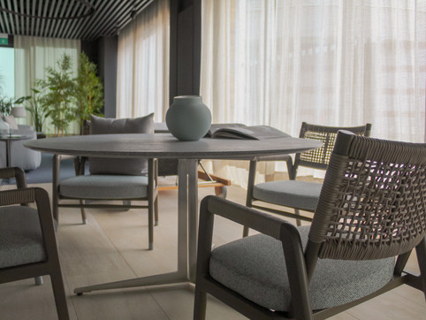 FLY OUTDOOR TABLE   £5,499