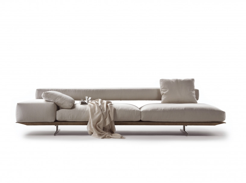 WING CHAISE 2.jpg