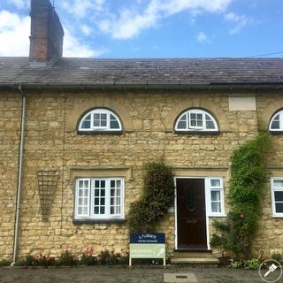 Deanshanger Cottage Exterior