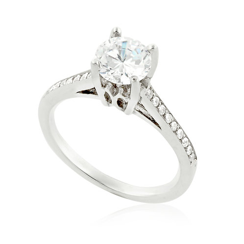 High Prong one row Ring