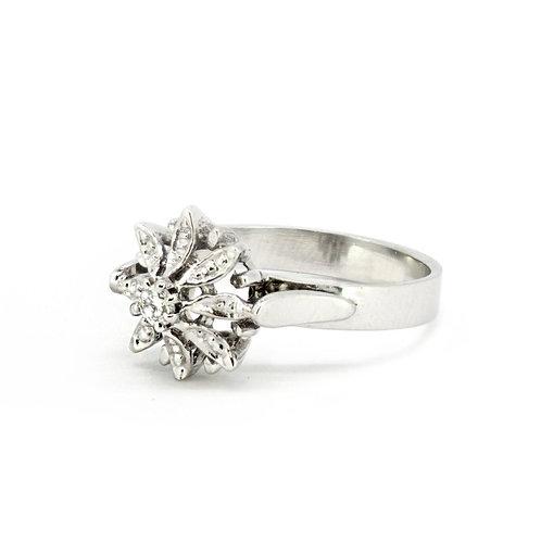Diamond Flower Fulla Solitaire Ring