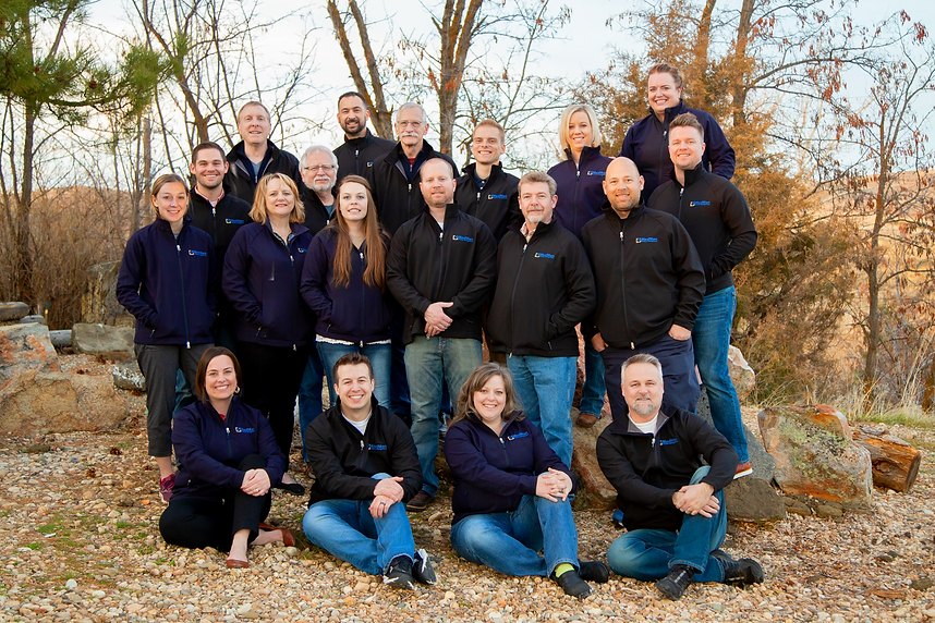 mmU Team Pic (small).png