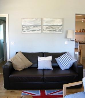 new extra sitting room.jpeg