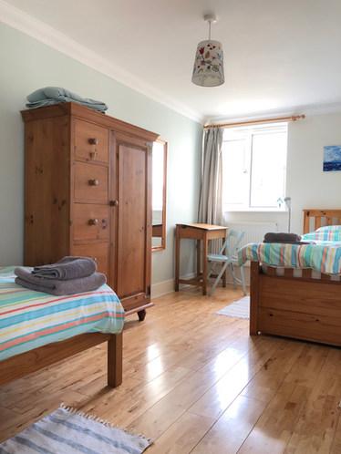 Sea-Glimpse twin bedroom.jpeg