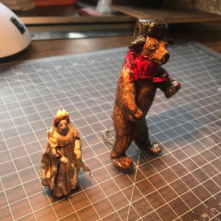 TSARINA & BROWN BEAR MODEL FIGURES