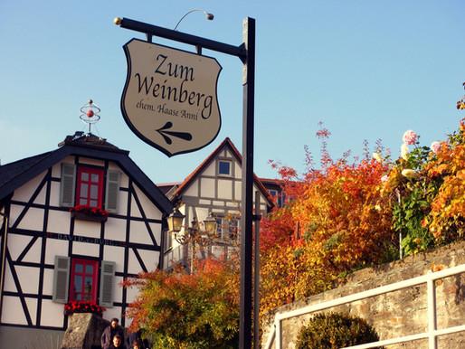 """...das  traditionsreiche  Gasthaus """"Zum Weinberg"""""""