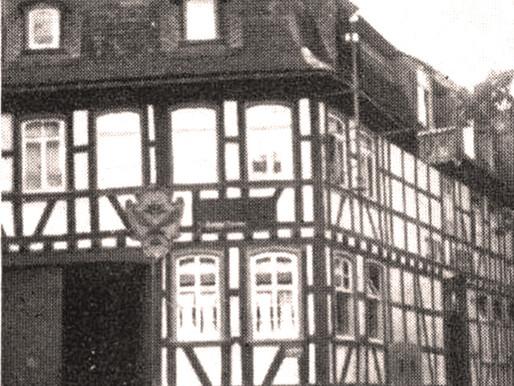 "...die Fassade des Gasthauses ""Adler""!"