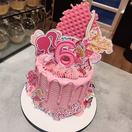 Barbie Drip Cake 👱🏼♀️🎀