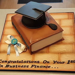 Graduation cake, graduation hat cake, perfect graduation gifts in Liverpool