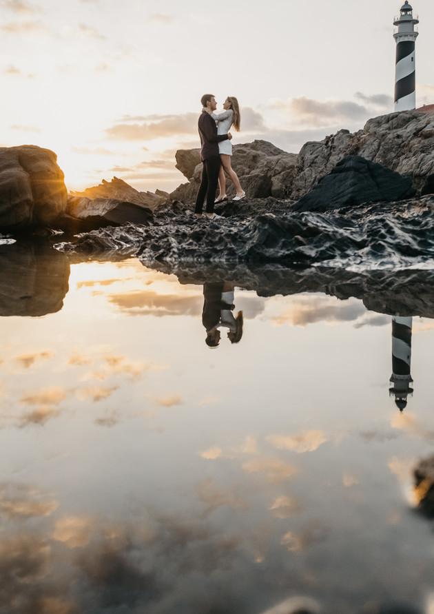 sesión de fotos de pareja en el faro de Faváritx