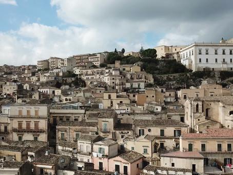 Covid: in Sicilia, la doppia faccia della medaglia, tra fatica e incredibili storie