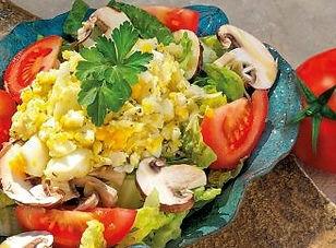 Frischer-Salat-zur-Grillsaison_960x1400p