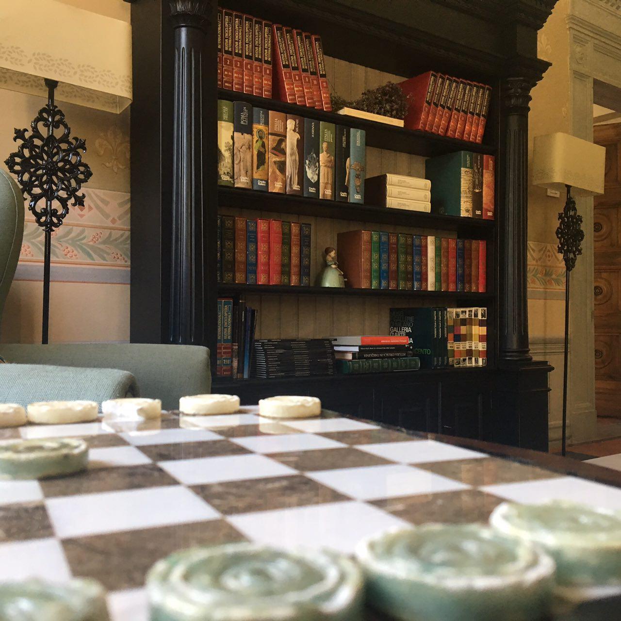 livingroom books