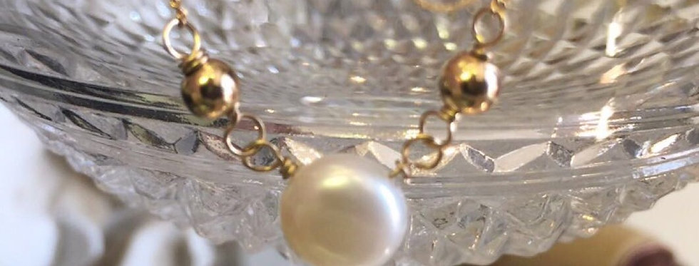 """As Seen On """"Bloodline"""" Minimal Pearl and Gold Necklace"""