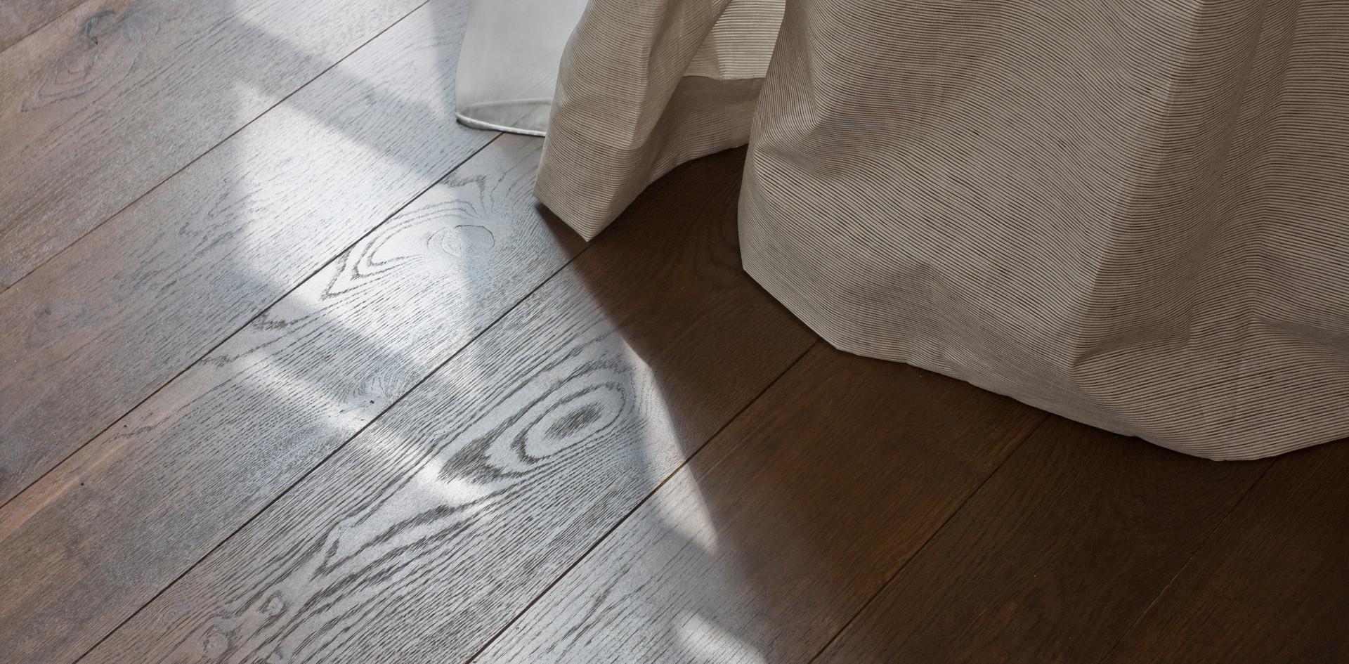 Privat Schober Holzboden Manufaktur Eiche geräuchert getönt