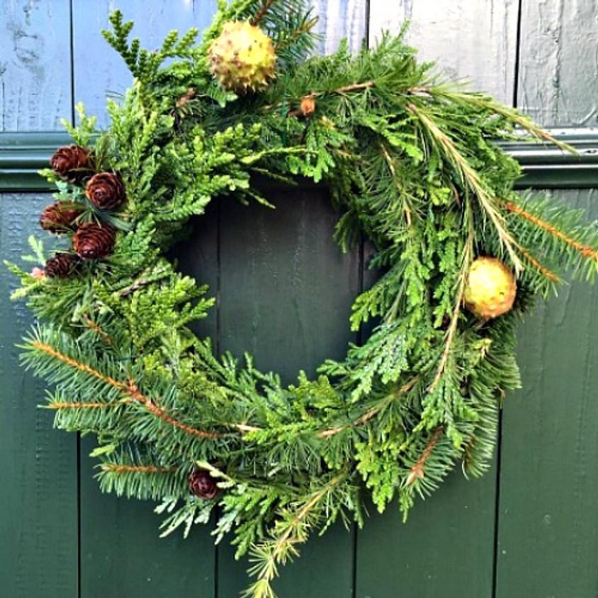 Mini Makers: December Mini Wreaths