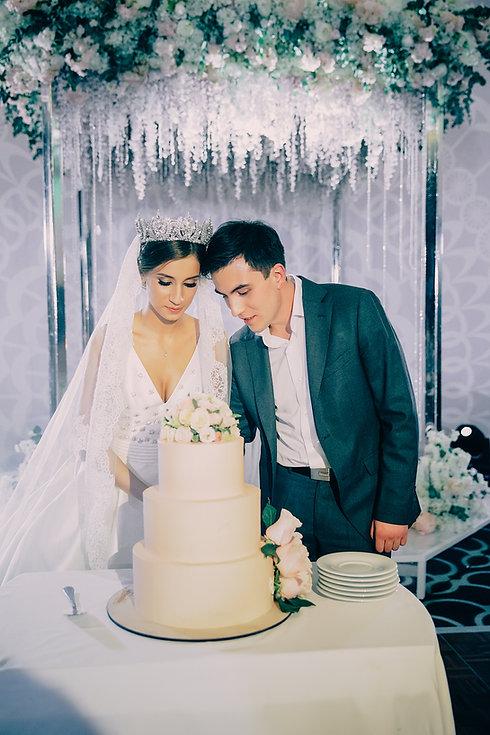 Свадебный торт и свадебный президиум тренд. Стильная классическая свадьба